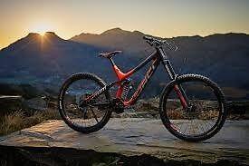Downhill carbon mountain bike - Norco Aurum C7.3 2016