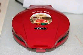 Mini Donut Maker by Bella