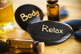 Full body relaxing massage by natural oils in London