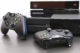 Wanted Xbox one with Two controllers  London Ontario image 1