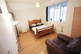 convenience room to live !! New Cross!!