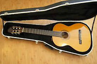 Takamine -almost new- classical with pick-up