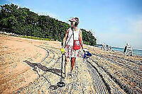 FIND LOST METAL OBJECTS. RENT A METAL DETECTOR.
