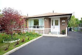 MISSISSAUGA HOUSE PRICED $35,000 BELOW MARKET VALUE!