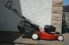 BRIGGS AND STRATTON SELF PROPELED PETROL MOWER
