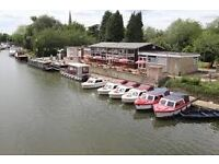 BOAT HIRE ASSISTANT