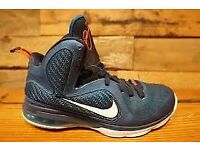 NIKE SHOES SIZE 8 GOOD CONDITION