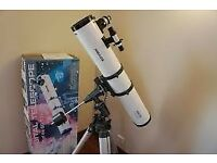 "Meade Model 4504, 4.5"" (114mm) Equatorial Reflecting Telescope with Starfinder Controller."