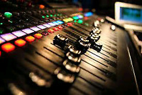 Are you looking to be a sound engineer ? Ask us