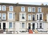 Beautiful 2 bedroomed 2nd Floor flat with sea views from both bedrooms