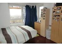 Spacious double room in friendly house