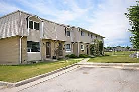 Wonderful 3 bedroom townhome in professionally managed complex!