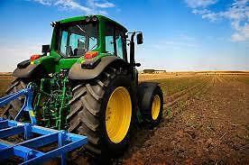 Rent a JD7230 starting at 22.50 per hour!