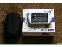 psp go white 32gb with account and 200 games