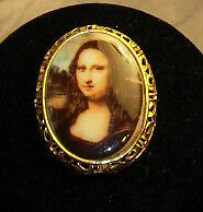 Estate Porcelain Vintage Brooch (Mona Lisa)
