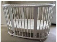 WHITE STOKKE SLEEPI COT BED