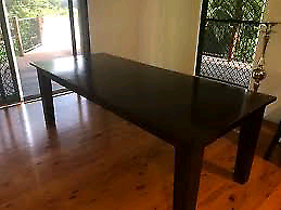 8 seater dinning table (matching chairs included)