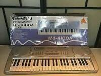 Electric Keyboard / Piano
