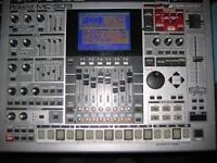Roland 909 V.Good condition, Fully expanded +Card