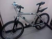 **DiamondBack Mountain Bike For Sale**Fully Working**Good Condition**Disk Brake**Specialized**Gt**