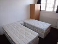Double room for 2!! East London ZONE @