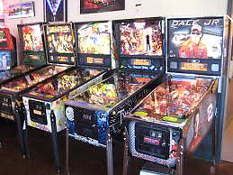 LOOKING TO BUY UNWANTED PINEBALL MACHINES/VIDEO GAMES ECT