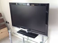 """42"""" fhd tv has freeview has remote can be seen workin"""