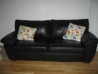 free delivery lovely matching 2 and 3 seater leather sofas