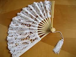 lace fans and umbrella for the wedding