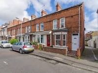 Young Female Professional/Student Wanted - Double Room in Spacious House - Convenient to City Centre