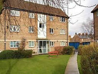 1 bedroomed unfurnished top floor apartment. Located between university and hospital