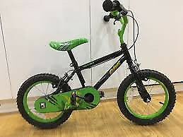 Apollo Claws Kids' Bike Age 3-6 (includes Stabilizers) Good Condition