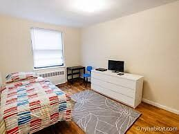 3) Double Room * Choice 1 Double Rooms * Located close Underground Station- Liverpool Street