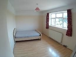 Budget rooms 5 minute walk from Whitechapel