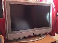 BUSH TV 32 Hd (HDMI) and Freeview box Television