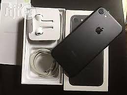iPhone 7 32gb unlocked with box