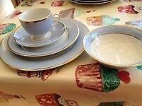 Royal Doulton, Bruce Oldfield designed 5 piece dinner set