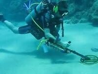 ** Scuba diving with metal detector lost jewellery **
