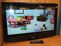 Samsung 32'' Television with free view - Remote ect