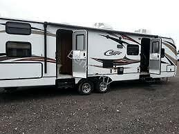 31' Keystone Cougar 7200lbs dry weight 1/2 ton towable