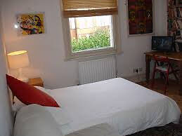 Cosy sunny room in Whitechapel! must see! Bargain!