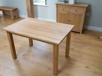 Oak dining table (no chairs)