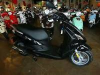 Paggio fly50cc, 5500km , perfectly kept, 2013 with full helmet