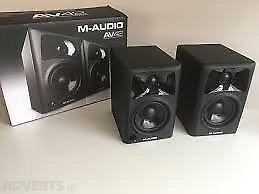 M-AUDIO AV42 active speakers
