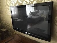 Panasonic Viera TH-65PZ7OOB- 65 inch Plasma TV NO STAND GOOD CONDTION