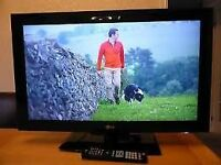 "32"" LG LCD TV BUILTIN FREEVIEW FULL HD GREAT WORKING ORDER CAN DELIVER BARGAIN"