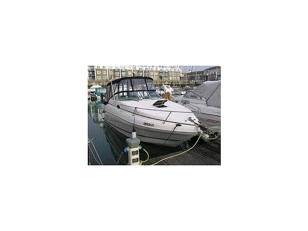 Used 2001 Rinker Boat Co fiesta vee 242
