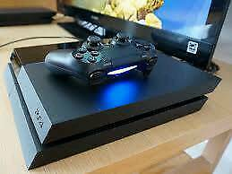 Playstation 4 500gb with 4 great games prestige condition with new white controller