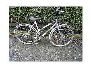 Vintage Peugeot Evolution 12-Speed Size-20 Ladies Road Bike in Full Working Order