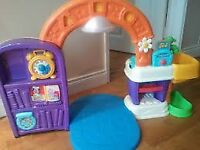 Children's play kitchen. Go go through the doorway, with music, songs, lights and fun sounds.
